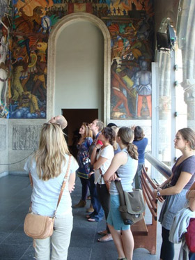 Picture of students at Palacio de Cortes